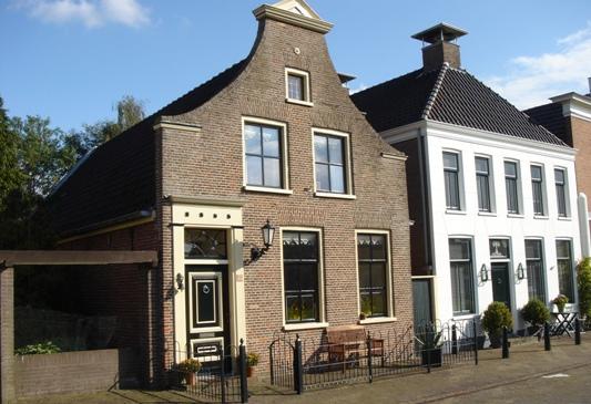 A Links voor Voorstraat 18